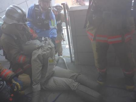 【写真】人命検索及び避難誘導訓練の様子