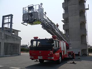 【写真】小野田消防署のはしご車